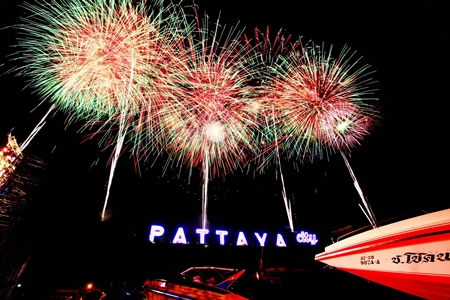 Pattaya's Countdown 2012 was voted best in the Kingdom.