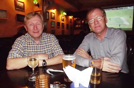Bruce Hoppe (Vice President Asia Operations Emerson Electric) and Clive Butcher (Transearch), knights of the round table.