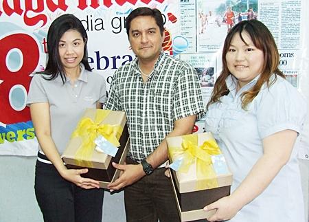 Prince receives good wishes from Asanee Intaring and Jiratchaya Siripoonya from the Pattaya Marriott Resort & Spa.