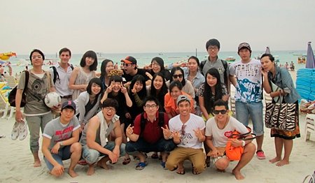 A visit to Koh Larn provided relaxation from the stressful academic program.