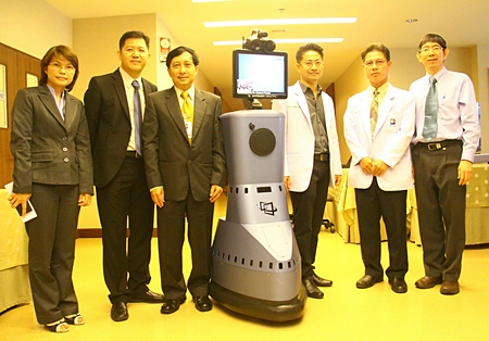 Officials at Bangkok Hospital Pattaya pose with the new Robo Doctor.