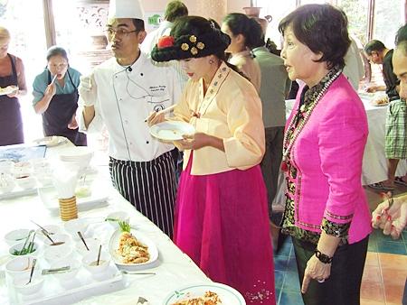 (L to R) The Diana Resort's head chef Ittikorn Phusingh, Korean chef Sunny Kim and Diana Group MD Sopin Thappajug taste test the delicious kimchi.