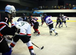 Fast and furious ice hockey hits Bangkok as Canada take on the World for charity. (Photo/Naz Brown)