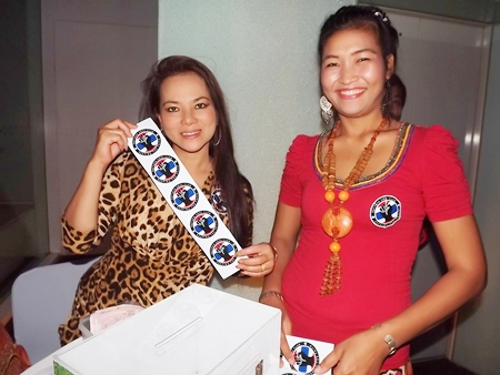 Orn and Nui hand out the obligatory Northern Soul stickers.