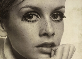 Portrait of Twiggy by Cecil Beaton.