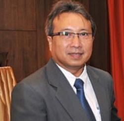 Industry Minister Pongsawat Svasti.
