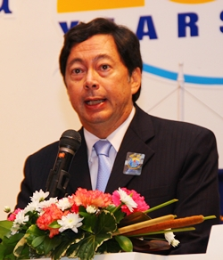 PP Nitti Meyer was the district governor's special representative who helped form the Rotary Club of Jomtien-Pattaya 25 years ago.