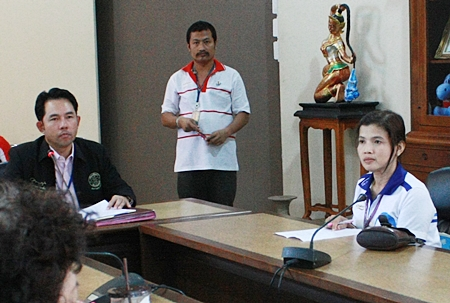 Na-anya Jantrakas (right), head of the health department's Center for Disease Control and Prevention, suggests improving sex education for children in all 29 Pattaya schools.