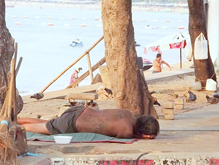 Publicity over the growing number of Thai and foreign homeless on Pattaya's streets finally has prompted city officials to convene a committee to address the problem.