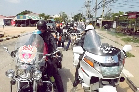 """Bikers Without Borders"" cruise through Pattaya."