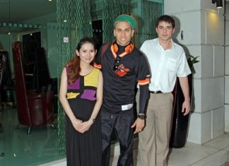 Taboo (centre), a member of the Black Eyed Peas entertainment group is welcomed by Natsathida Thanatulsutanant (left), manager of the Amari Nova Suites Pattaya and Sascha Kunze (right), manager of Nova Platinum during his stay at the resort recently.