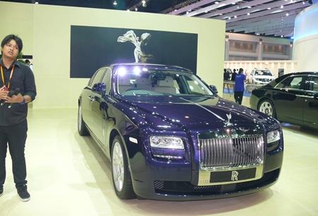 M'Lord's Rolls awaits.