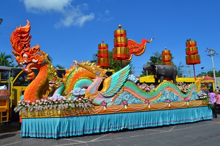 One of the floats in the Naklua Wan Lai parade.