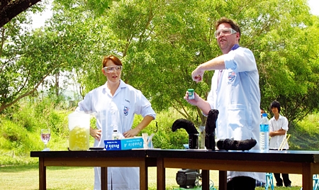 Charlotte Harris and Ed Thorp putting on a great science show.