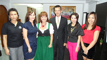 (L to R) Nittaya Patimasongkroh, Marina Vogrin, Elfi Seitz, Consul Rudolf Hofer, Praichit Jetapai and Sriwanna Jitprasert during the presentation at the Austrian Consulate.