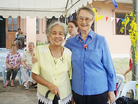 Sister Joan Gormerly with a resident of the Banglamung Home for the Aged.