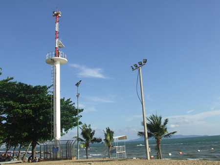 This tsunami early warning siren operates on Jomtien Beach, even though there is little chance of a tsunami in the Gulf of Thailand.