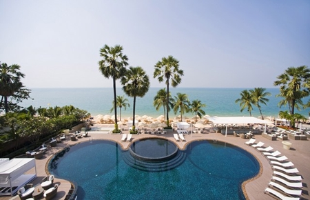 Pullman Pattaya Hotel G features two outdoor pools.