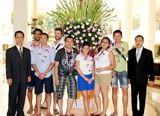 The Tourism Authority of Thailand in cooperation with Thai Airways International organised a familiarisation trip for Swiss-based journalists on a visit to Thailand. The group, led by Nivat Chantarachoti, THAI Switzerland general manager, was aimed at creating awareness of the Thai New Year otherwise known as the Songkran Festival. They were welcomed by Neoh Kean Boon (left), resident manager of the Dusit Thani Pattaya during their stay at the resort.