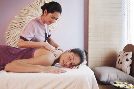 Relaxing spa treatments at Tea Tree Spa.