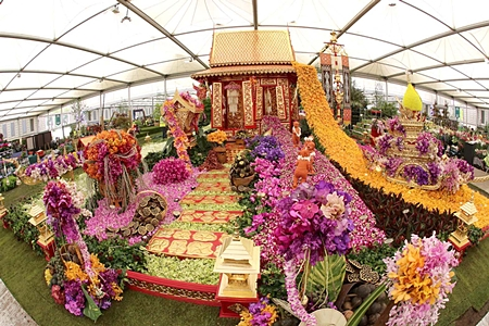 The gold medal winning Thai exhibit in all its splendor at the 2012 Chelsea Flower Show.