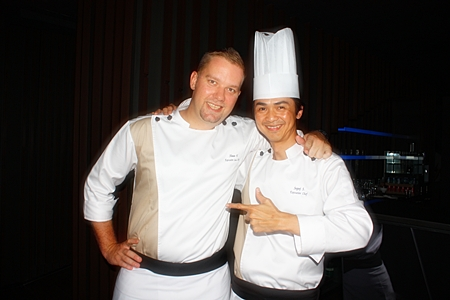 Executive Sous Chef Shaun Venter (left) with Executive Chef Supoj Suwanwong (right).