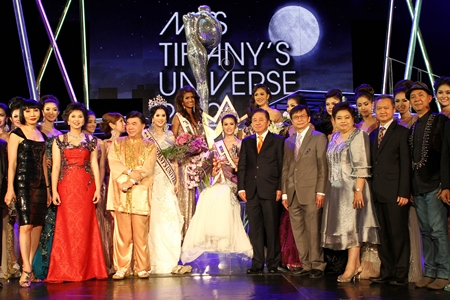 The Queen and her court, Miss Tiffany Universe 2012 Panwilas Mongkol poses with contestants, judges and sponsors.