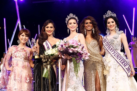 (L to R) Miss Tiffany Universe 2009 Haruna Ai, this year's 2nd runner-up Siriworakorn Buttayothi, Miss Tiffany Universe 2012 Panwilas Mongkol, first runner up Nisha Chaiyapruek, and Miss Tiffany Universe 2011 Sammy Sripassorn Akhayakorn.