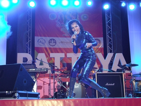 Nas Adila from Malaysia has the crowd rocking at the Pattaya International Music Festival 2012.