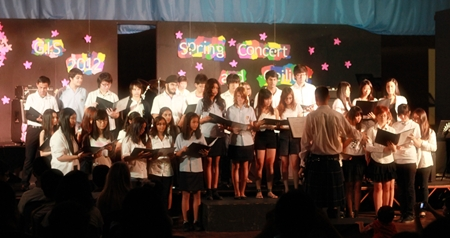 The splendid rendition of HM's the King's Anthem by the school choir.