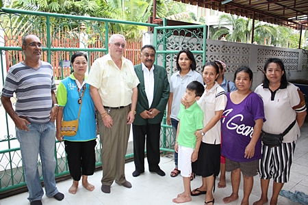Steve Graham (3rd left) and Peter Malhotra (4th left) visit the Pattaya Autistic Life Skills Development Center, guided by Supang Samrit (5th left), the kind hearted director of the center.