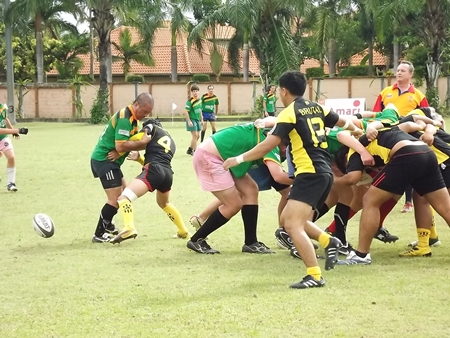 Brutal Surin take on the Banging Panthers in the Bowl Final.