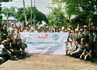 To commemorate World Environment Day June 5, a combined team of staff and officials from the Amari Orchid Pattaya, the Naklua Bay Preservation Group and the Pattaya Public Health and Environment Department together with almost 100 students from Banglamung School participated in the 'Pick Up Garbage, Love the Sea' campaign to clean up the Nokyang Canal in Naklua.