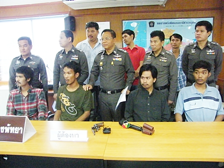 Nirut Khyan-ngan and friends have been arrested for the murder of Thongkhum Upbua during Songkran.