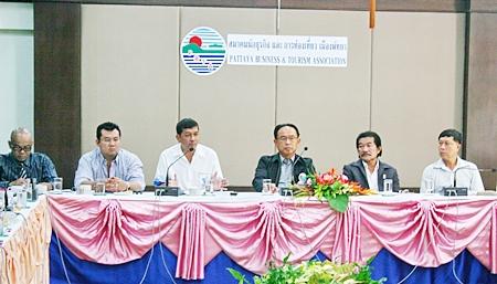 Banglamung's district chief Chawalit Saeng-Uthai (3rd left) addresses the Pattaya Business & Tourism Association.