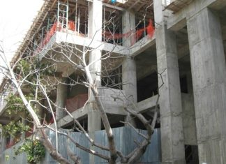 Building work continues on the Royal Oasis hotel in Port-au-Prince, Haiti. (Photo/OasisHaiti.com)