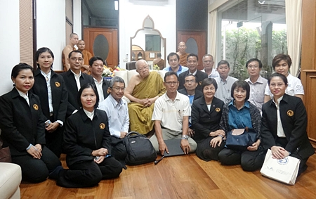 Sopin Tappajug, MD of the Diana Group along with Yattipong Intrarat, civil engineer at Pattaya City Hall, Sakran Wattana, a renowned Yoga teacher and Saming Suebsakul chairman of the 'Dharma Online' program made a pilgrimage to pay their respects to Chief Abbot Viriyang Sirinatarro of Wat Thammongkol in Bangkok recently. The pilgrims made a donation of over one million baht to support the good work of spreading the holy Buddhist scriptures.