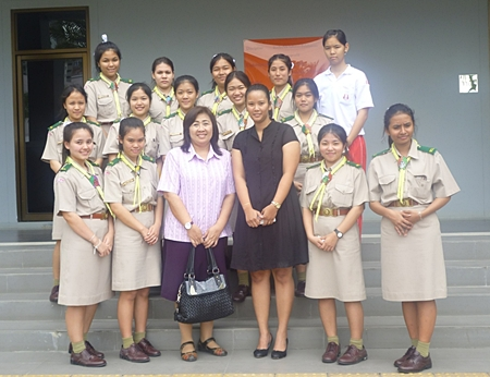 Students from the Assumption College Sriracha visited the Dusit Thani College Pattaya where they were welcomed by instructors and staff who gave them a grand tour of the educational facilities. The Dusit Thani College, a private educational institution accredited by the Commission on Higher Education of Thailand, offers programs particularly in the hospitality industry including bachelor's degrees in Thai and international programs, and Master's degrees in Hotel and Restaurant Management.