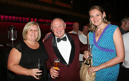 (L to R) Tracy Cosgrove (Melissa Cosgrove Children's Foundation), Peter Banner (the Happy Auctioneer), and Vera K. (Siam Properties).