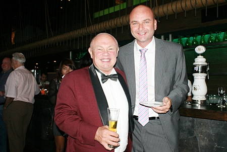 (L to R) Peter Banner (the Happy Auctioneer), and Andrew Boyett-Camp (MD 121-Advice.com).