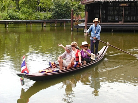 On Tuesday the 3rd a group of PCEC members visited Old Siam, a historically themed village to the South East of Bangkok, in Samut Prakarn. Many buildings from ancient Siam are recreated, as well as klongs and floating markets. Here a small group takes a trip on the klong. Following this, a visit was made to the Erawan Elephant Museum (the large three headed elephant statue beside the Southern Circular Road), then to the Bang Pu Recreation Reserve for dinner.