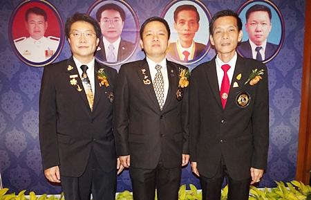 Congratulations to the new Lions presidents (L to R) Burin Chantharakkarnkha, Patcharanon Khanachotpon, and Badinzup Horontharanukul.