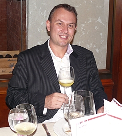 Travis Brown, the Asian regional director of Accolade Wines, spoke with knowledge and enthusiasm on the wines which would be drunk that evening.