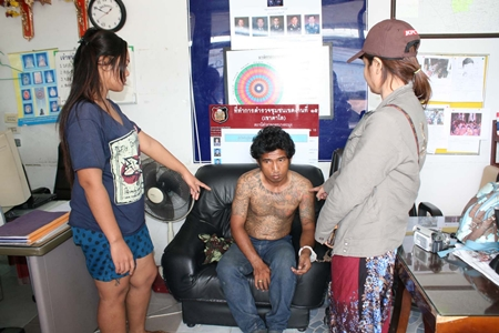 Victims point to Narong Maleethes, confirming he is the one who stole their motorcycle.