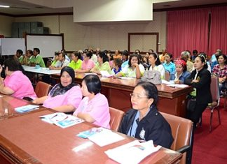 Community leaders receive training in ways to get migrant Thai workers to register their homes here in Pattaya.