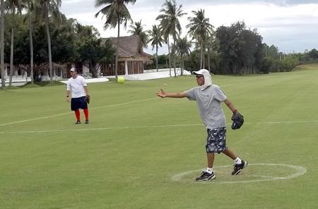 Jensen Chun delivers a pitch.