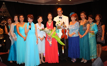 Praichit Jetpai, Chairwoman of the YWCA together with her members thanks the audience for their support of the charity concert.