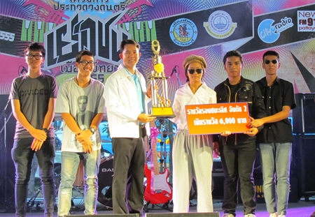 P.O.T. takes the 6,000 baht third-place prize.