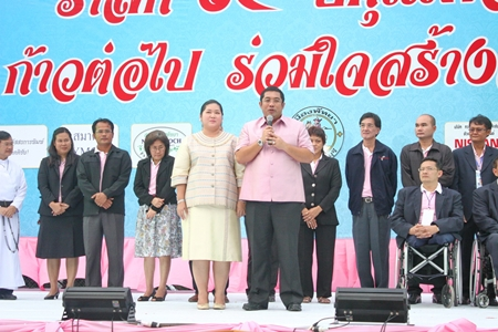 Culture Minister Sukumol Kunplome and Sonthaya Kunplome, former Tourism and Sports Minister, launch the event.