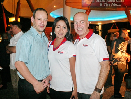(L to R) Remax Thailand Regional Director Eran Milo poses with Suwatna Sornthong, and Tony Barchetti, managing director of Remax Integrity.